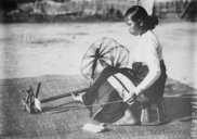 Filage au rouet  1928-1937