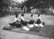Filature du coton par des femmes indochinoises  1928-1937