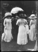 Bildung aus Gallica über Vêtements de femme