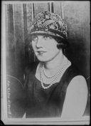 Illustration de la page Huguette Duflos (1891-1982) provenant de Wikipedia
