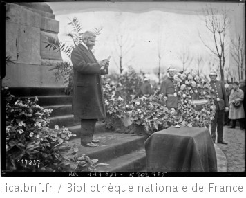 3-4-27, Levallois, inauguration du monument aux morts, discours de M. Bouju : [photographie de presse] / [Agence Rol]   Agence Rol. Agence photographique