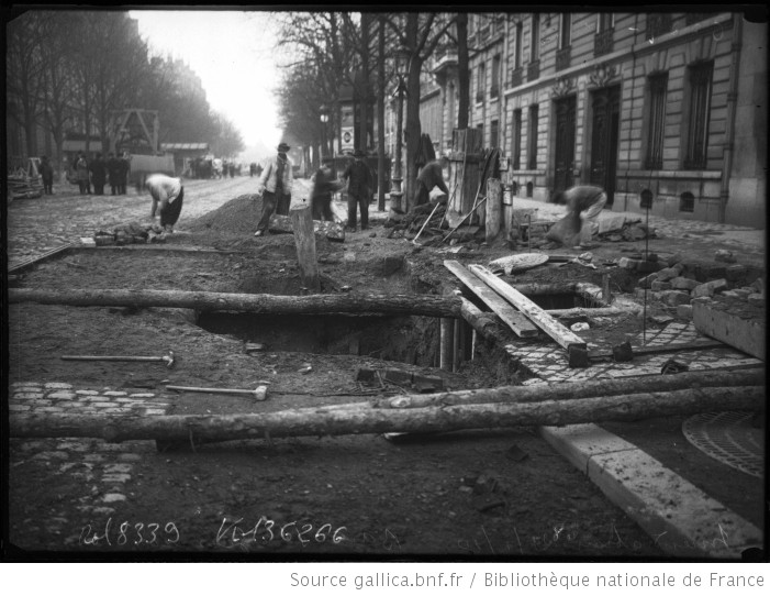 inondation 21 1 1910 boulevard saint germain paris 5e arrondissement d g ts apr s la d crue. Black Bedroom Furniture Sets. Home Design Ideas