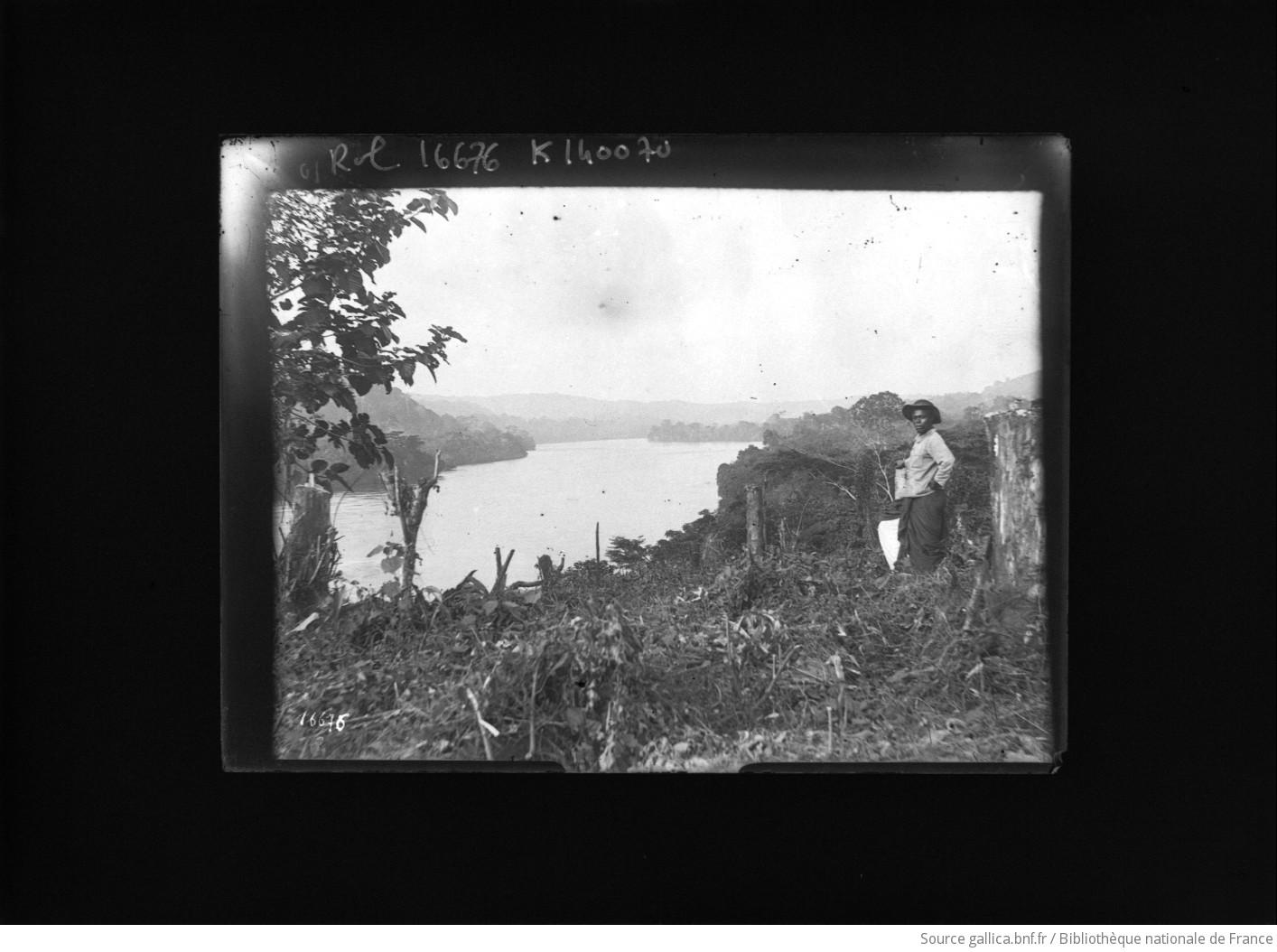 Homme noir dans un paysage xotique gabon for Agence format paysage