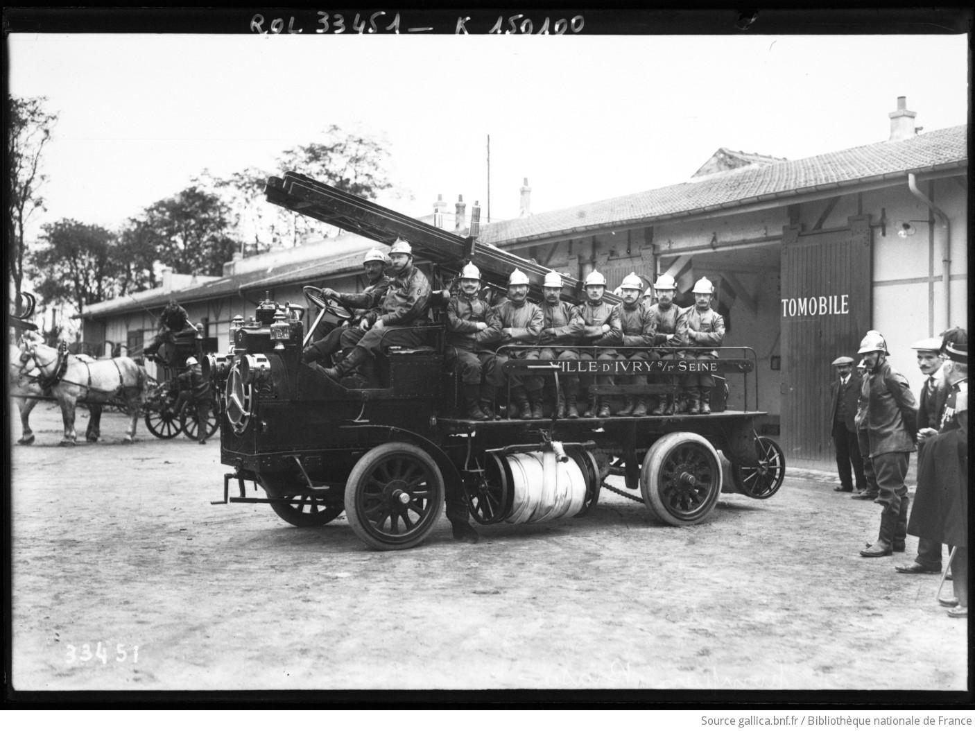 Voiture des pompiers brasier pompiers d 39 ivry sur seine photographie - Acheter a ivry sur seine ...