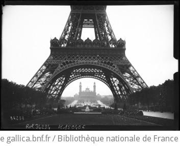 Vue de Paris, Tour Eiffel [en fond le Trocadéro vu de sous la tour] : [photographie de presse] / [Agence Rol]