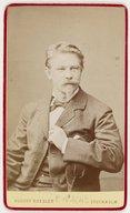 Illustration de la page August Roesler (photographe, 1837-1896) provenant de Wikipedia