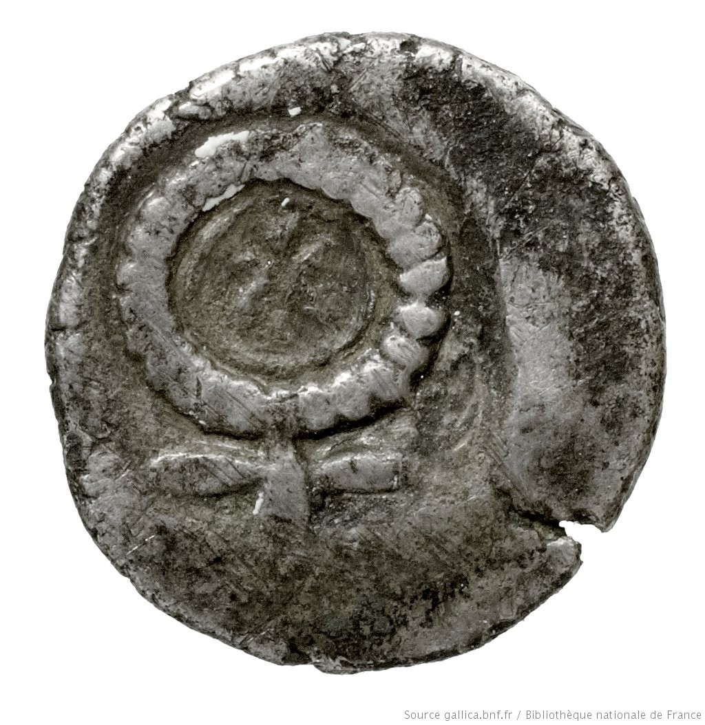 Οπισθότυπος 'SilCoinCy A4443, Fonds général, acc.no.: . Silver coin of king Evelthon's successors of Salamis 500 - 478 BC. Weight: 0.88g, Axis: 2h, Diameter: 10mm. Obverse type: ram's head right. Obverse symbol: -. Obverse legend: - in -. Reverse type: Ankh, the ring formed of pellets ranged about a linear circle; in circle, cypriot syllabic sign.. Reverse symbol: -. Reverse legend: ku in Cypriot syllabic.