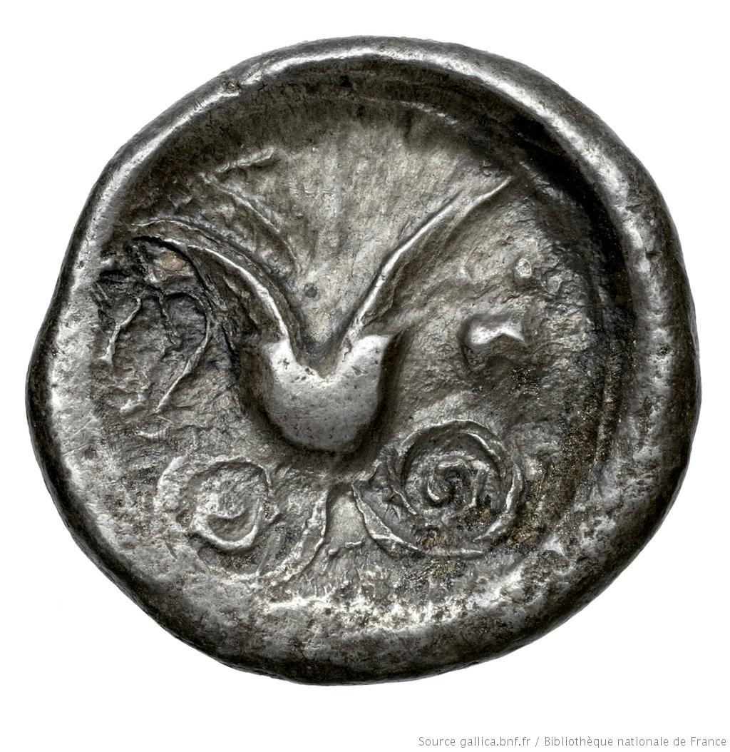 Οπισθότυπος 'SilCoinCy A4566, Fonds général, acc.no.: Babelon 727. Silver coin of king Stasikypros of Idalion 460 - 450/445 BC. Weight: 3.49g, Axis: 10h, Diameter: 15mm. Obverse type: Sphinx with curled wing, seated left on tendril, which rises beneath her belly to a bud and in front to an open flower, on which she places her right forefoot: border of dots.. Obverse symbol: -. Obverse legend: sa in Cypriot syllabic. Reverse type: Lotus flower on two spiral tendrils; on left ivy-leaf, on right astragalos: the whole in faint linear border, in incuse circle. Reverse symbol: -. Reverse legend: - in -. 'Catalogue des monnaies grecques de la Bibliothèque Nationale: les Perses Achéménides, les satrapes et les dynastes tributaires de leur empire: Cypre et la Phénicie'.