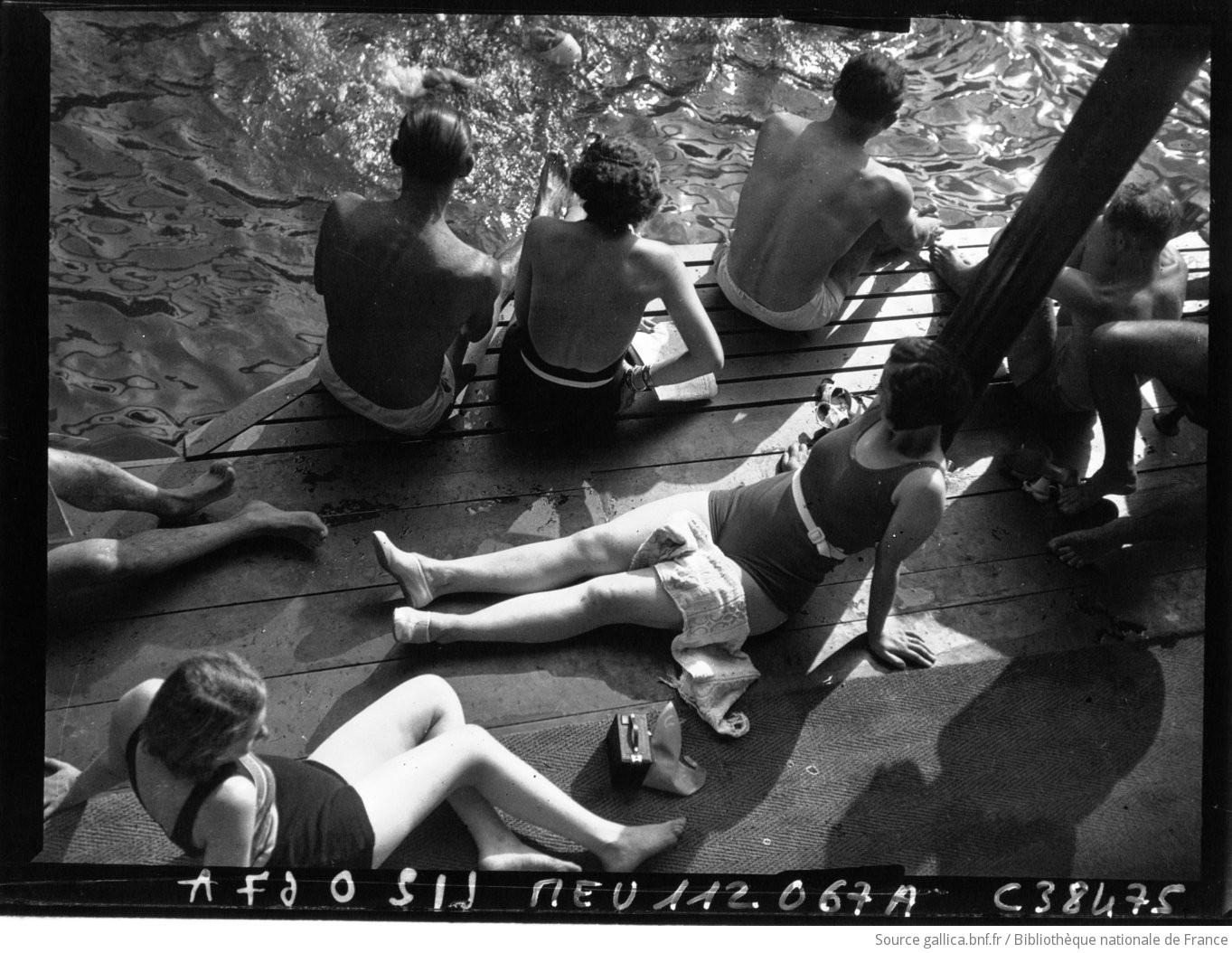 Piscine deligny bain de soleil photographie de presse for Piscine deligny