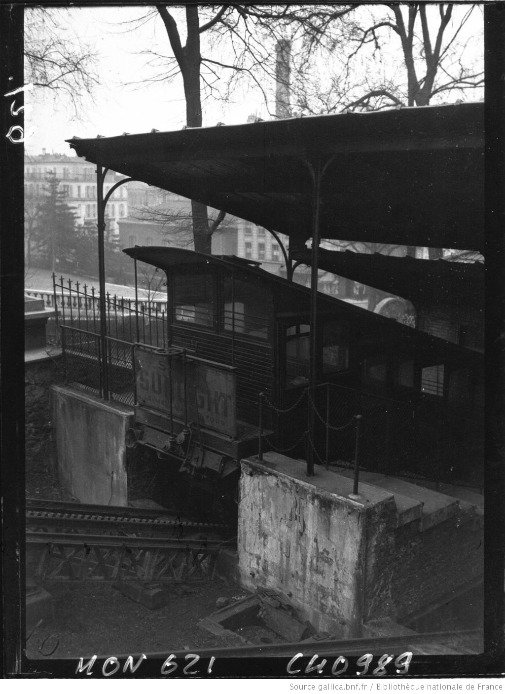 Vues de Paris : le funiculaire et la Sacré-Coeur : [photographie de ...
