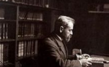 Hubert Pernot à son bureau - Bibliothèque nationale de France