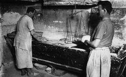 Agence Meurisse. Fabrication du pain, boulangers