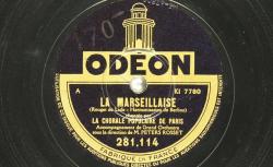 Disque C-10236 - La Chorale populaire de Paris, fondée en 1935, rassemble chanteurs amateurs et professionnels dans le but de maintenir et faire connaitre le patrimoine musical - source : BnF/gallica.bnf.fr