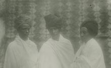 Traditions orales et musicales de la République de Djibouti (Côte française des Somalis). Chants (solo, choeur), récit, récitation et conversation. Accompagnement de battements de mains et de sifflements sur certains chants (7 disques)