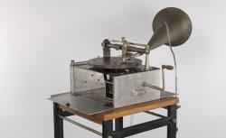Graveuse de disques utilisée au Musée de la Parole et du Geste avant 1927