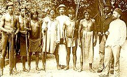 Guyane. 32, Guyane française. Coudreau et son escorte / [mission] H. Coudreau ; [photogr.?] ; [photogr. reprod. par] Molténi