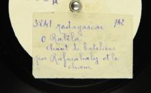"""Accéder à la page """"O Ralila : chant de bateliers ; Iza hay tao Antsirabe : chant du voyageur / Rafaralahy, chant ; choeur et accompagnement de battements de mains"""""""