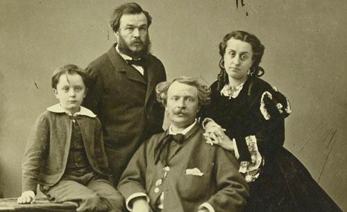 Félix Nadar, sa femme Ernestine, leur fils Paul et Adrien Tournachon