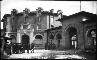 Hôpital de la Pitié, boulevard de l'hôpital.