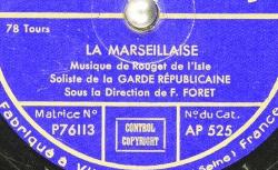 NC Ultraphone AP 525 - Les solistes et la Garde Républicaine interprètent la Marseillaise sous la direction de Félicien Forêt (1890-1978), hautboïste, compositeur et chef d'orchestre - source : BnF/gallica.bnf.fr
