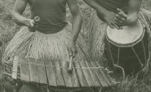 Chants traditionnels et rituels (solo ou choeur), jeu de balafon, de tambour et de kondé (5 disques)