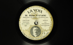"""Accéder à la page """"René Viviani, Président du Conseil des ministres. Discours de clôture, séance du 4 août 1914."""""""
