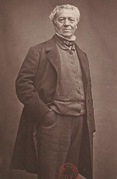 Corot [photographié par Pierre Petit]. Image publiée à Bordeaux en octobre 1875 dans le journal : La Revue posthume illustrée