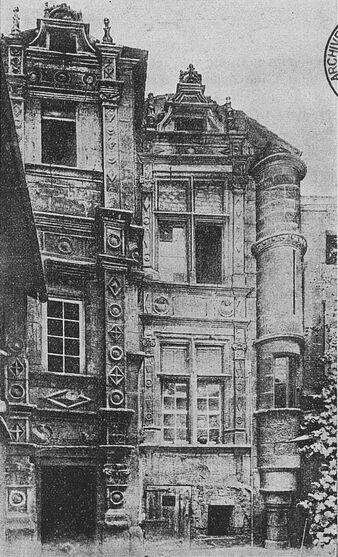 Angoulême : Maison Saint-Simon. Image publiée à Paris le 25 mars 1913 dans le journal : Le Pays d'Ouest