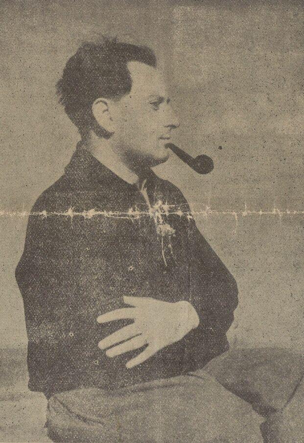 Jean Giono [photographie]. Image publiée à Manosque en septembre 1937 dans le journal : Au devant de la vie