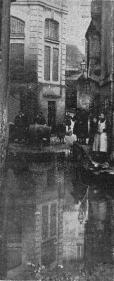 Les crues de la Maine. Image publiée à Angers en janvier/avril 1912 dans le journal : L'Anjou illustré