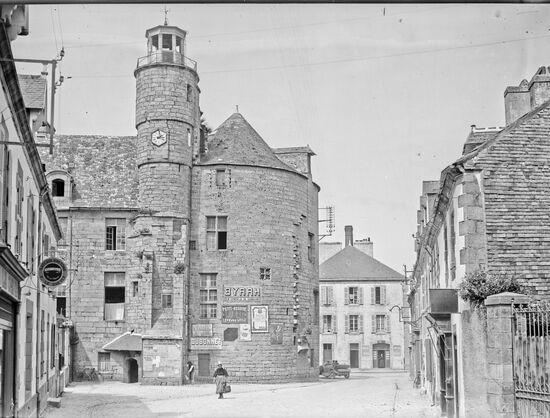 Pont-l'Abbé ( 29120)  Château -Mairie - 1921-