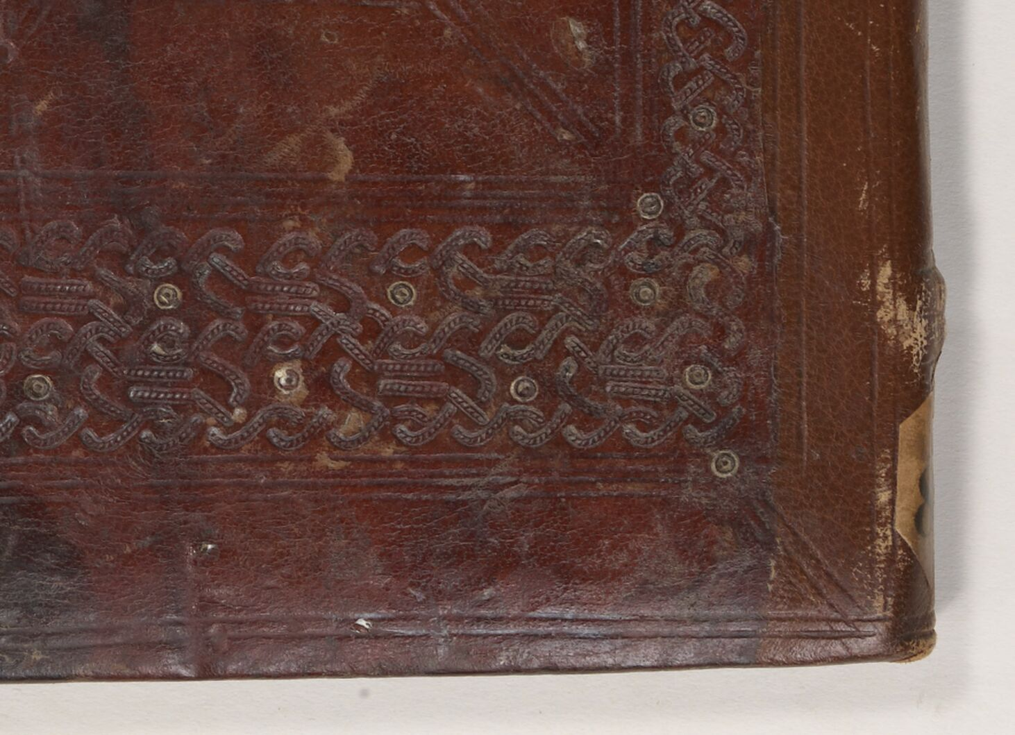 Tooled interlace